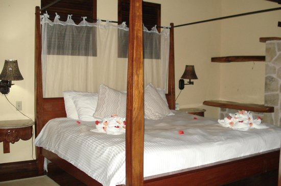 Ian Anderson's Caves Branch Jungle Lodge: bedroom