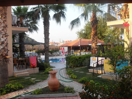 Dolunay Apartments: hotel grounds