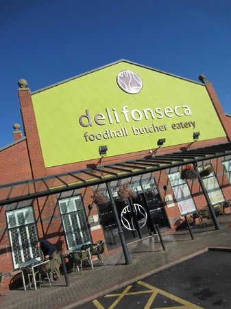 Delifonseca Dockside: In early morning autumn sunshine