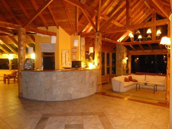 Peninsula Petit Hotel: Recepcion