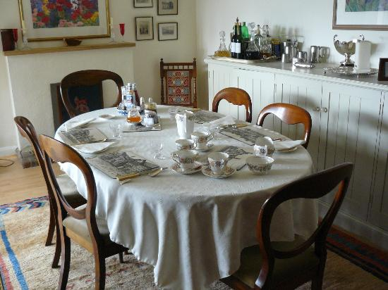The Thatched House Country B&B: dining room