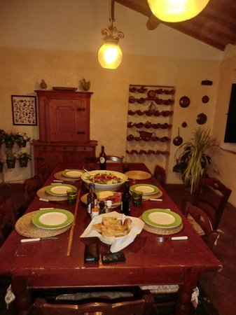 Casa Bini: Upstairs dining room