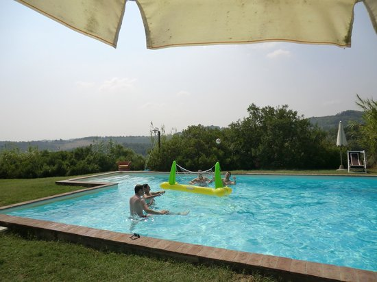 Casa Bini: Fun in the pool