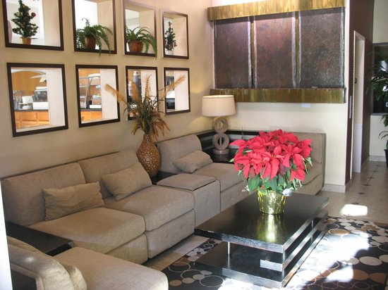 BEST WESTERN PLUS Rockwall Inn & Suites: Lobby
