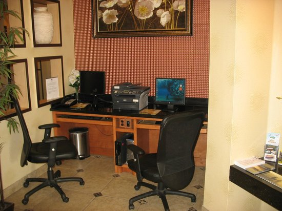 Best Western Plus Rockwall Inn & Suites : Business Center