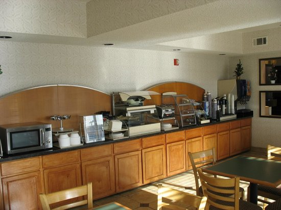 BEST WESTERN PLUS Rockwall Inn & Suites: Breakfast Room