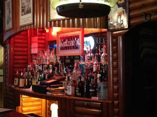 Stanley, WI: The bar at Kutzee's
