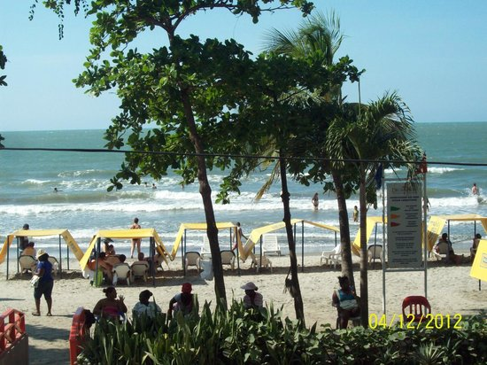 Decameron Cartagena: Playa frente al hotel