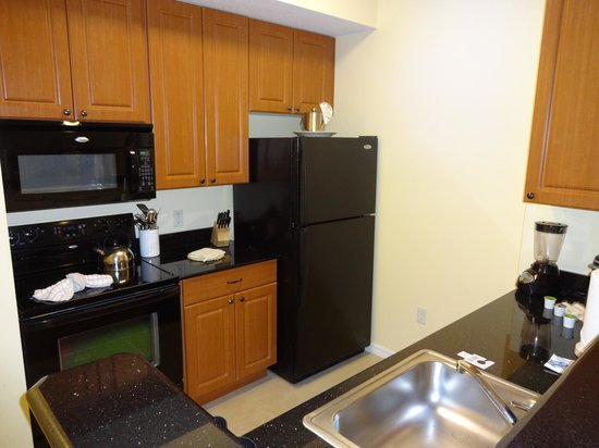 The Point Orlando Resort : 1 bedroom suite fully equipped kitchen