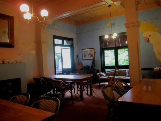 Victoria & Albert Guesthouse: The breakfast room.