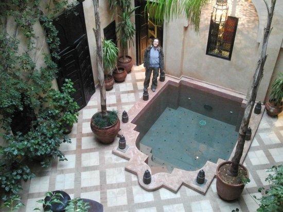 Riad Meriem: patio