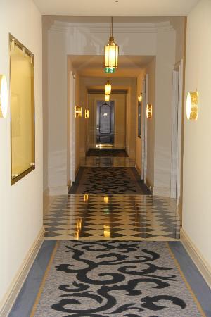 Hotel Atlantic Kempinski Hamburg: hallway
