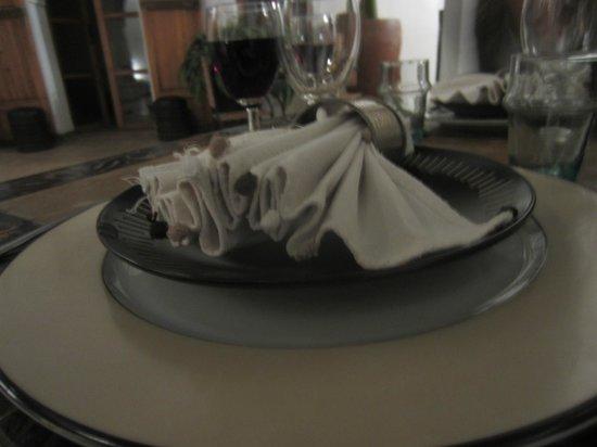 Riad Miski: Dining