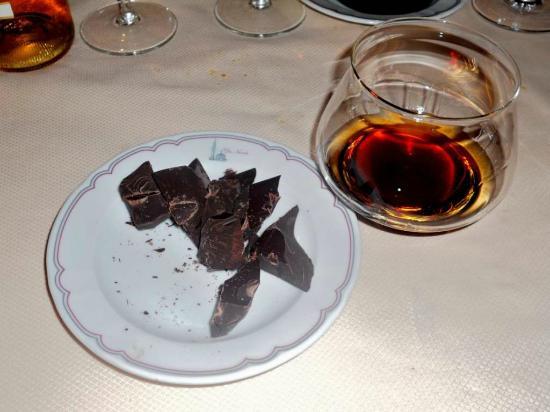 Trattoria Albergo Da Nando: Cioccolato fondente Amedei con rum Zakapa