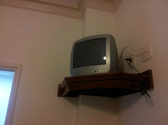 Hotel OK: Small TV