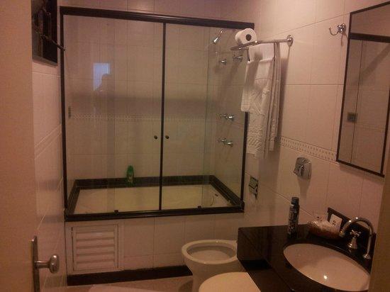 Hotel OK: Bathroom