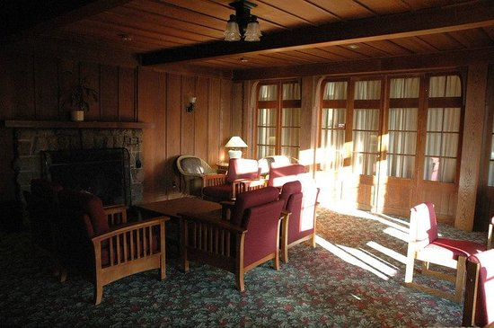Asilomar Conference Grounds: Scripps living room