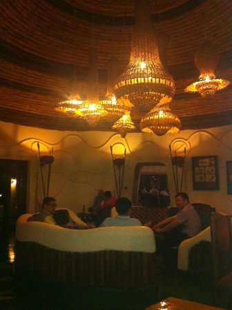 Lake Manyara Serena Lodge: Bar @ night