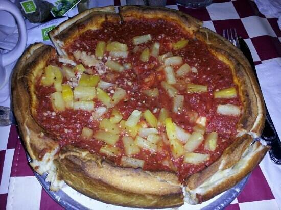 Giordano's Pizzeria: Tropic....ham and pinapple. 