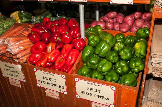 Robert is Here: Colorful Produce