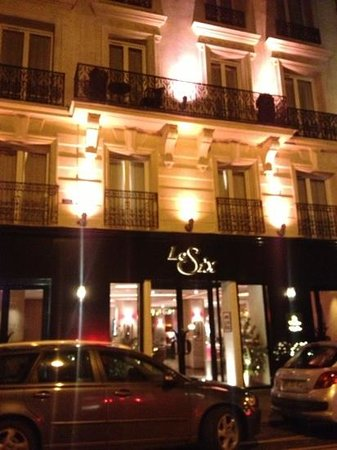 Hotel Le Six: The front of the hotel