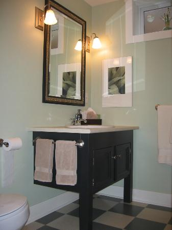 Juniper House: King Suite vanity and basin