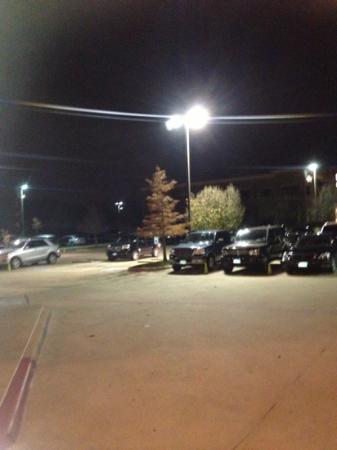 Boi NA Braza: empty valet parking lot