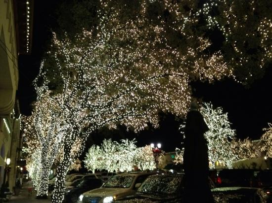 Amazing Xmas Lights At Highland Park Village