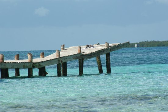 Goff's Caye: Dock @ Goff's Cay