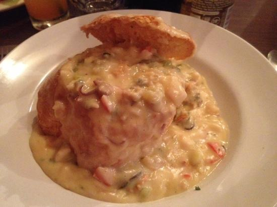 Maisie's Seafood and Steakhouse : chowder