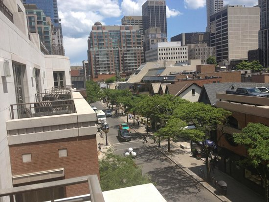 The Hazelton Hotel: View from balcony, great hotel in the heart of everything 