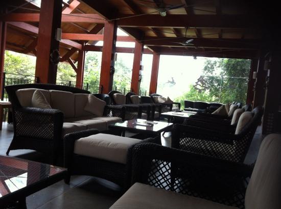 The Paradise Resort and Spa: lobby