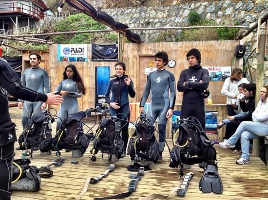 Austral Divers: curso open water junio 2012