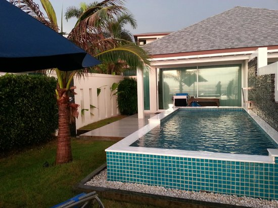 Samui Resotel Beach Resort: exterior view of the Ocean Pool Villa