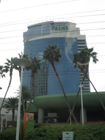 Palms Casino Resort: Hotel from outside