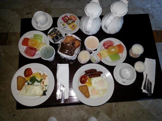 valentin imperial riviera maya room service breakfast
