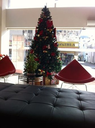Ipoh French Hotel: Hotel lobby decked up for Christmas