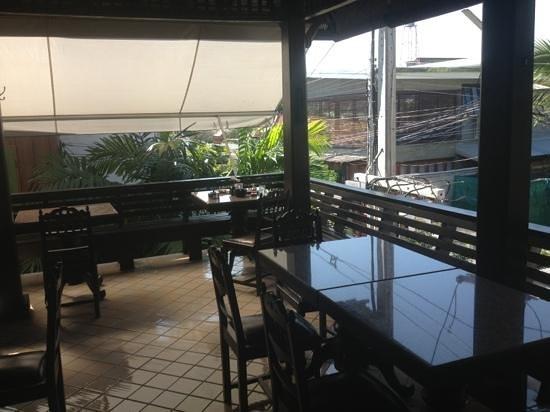 Na Thapae Hotel: la salle de séjour - toujours nickel 