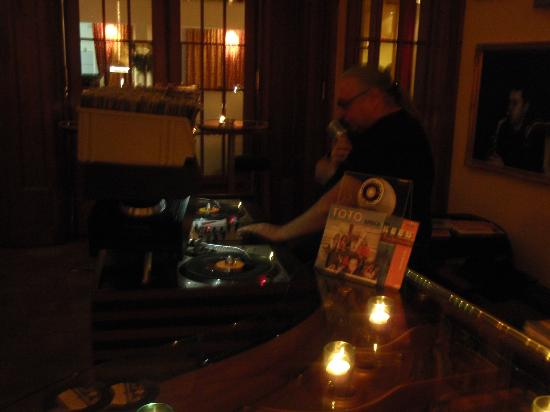 Art Deco Hotel Montana Luzern: DJ Michel Richter - Louis Bar