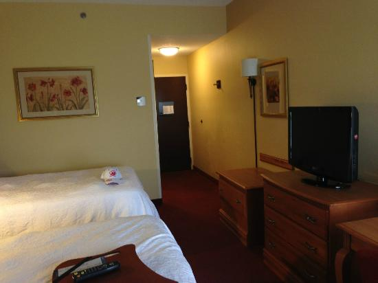 Hampton Inn Bardstown : Room - Entry