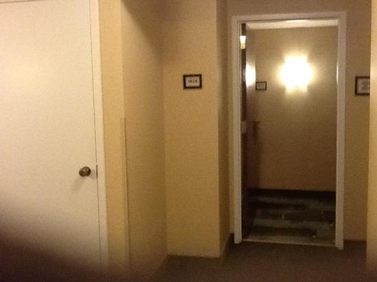 Renaissance Chicago Downtown Hotel: shared entance and locked housekeeping door on far left