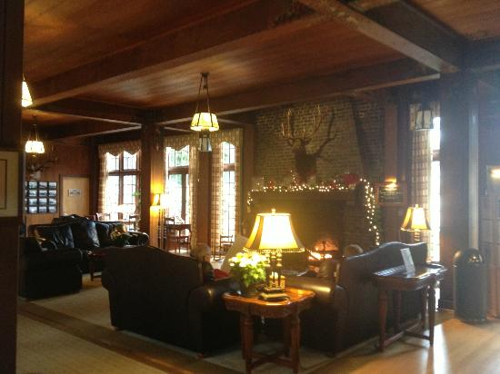 ‪‪Lake Quinault Lodge‬: Main lobby