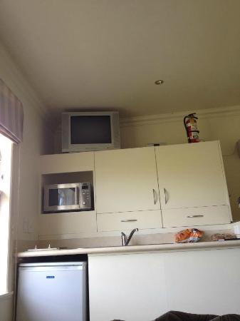 Woodlyn Park: The kitchen in the Honeymoon suite, Waitanic