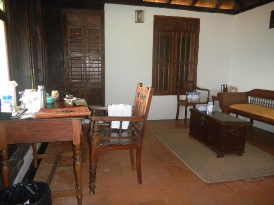 Paradisa Plantation Retreat: The writing table and the sitting area with antique furniture