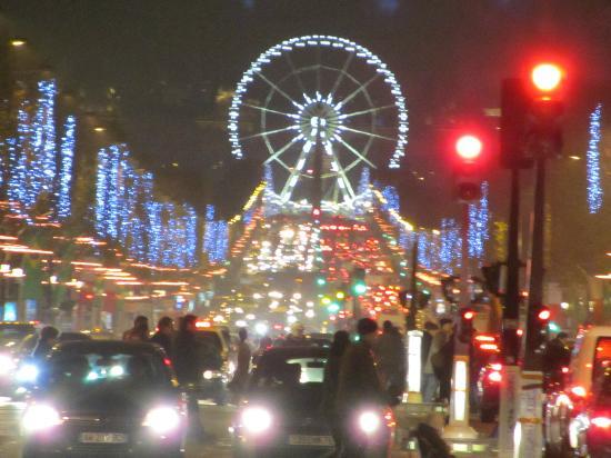 Mercure Paris Arc de Triomphe Etoile: A 5 minutes à pied, les Champs Elysées
