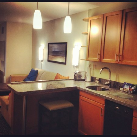 HYATT house Fort Lauderdale Airport & Cruise Port: Kitchen
