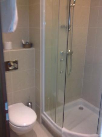 Szepia Bio & Art Hotel: Bathroom