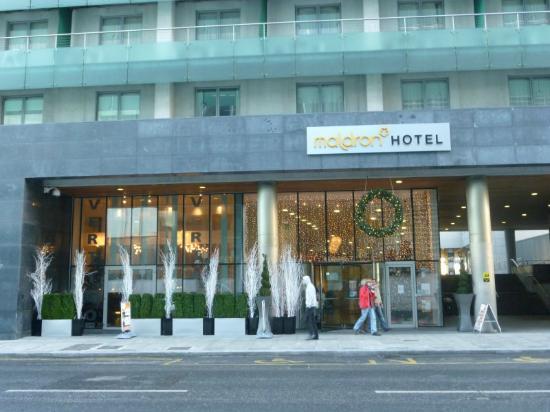 Clayton Hotel Cardiff Lane: Eingang