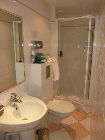 Grand Hotel des Terreaux: salle de bain
