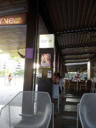 Curve Restaurant: Alfresco area